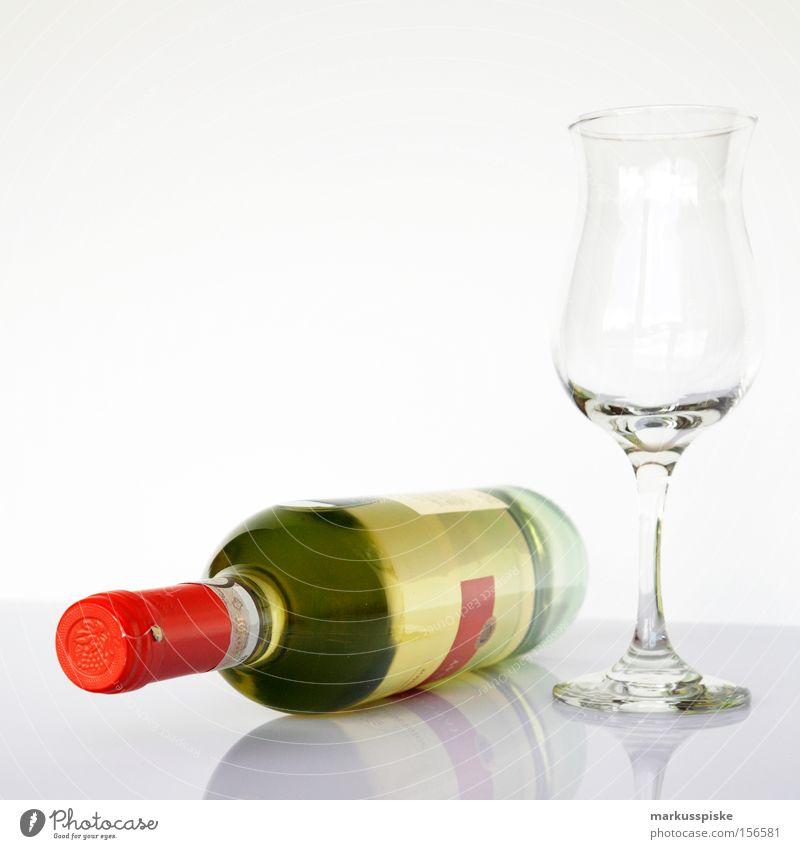 weisswein mit glas Weinflasche Weinglas Stoff Alkohol Feinschmecker Flasche genießen Gastronomie Dekoration & Verzierung Glas clean Suche geniesser