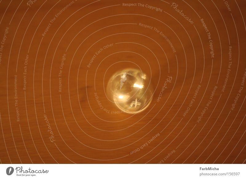 Circle of Life Freude Freiheit Holz hell Beleuchtung glänzend Geschwindigkeit leuchten Kreis rund Ring Glätte Drehung teuer Vor hellem Hintergrund