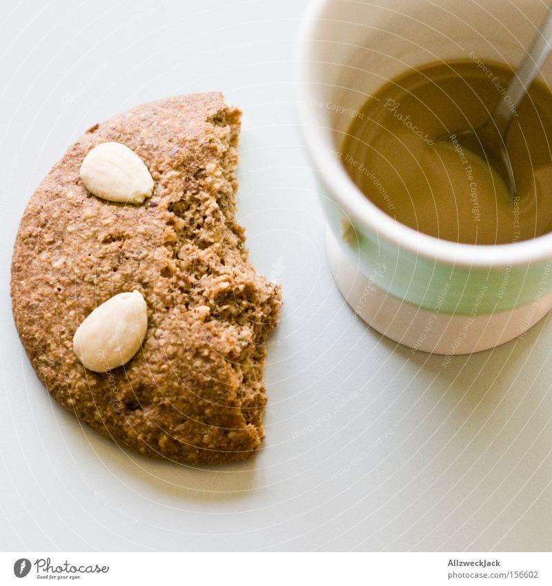 der rest vom fest Kaffee Lebkuchen Weihnachten & Advent Pause Kaffeepause Frühstück Keks Backwaren Appetit & Hunger Teilung Hälfte angefressen Kuchen Küche
