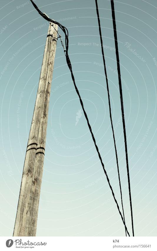 N. Ergy Holz Energie Telefon Elektrizität Luftverkehr Kabel Schriftzeichen Buchstaben Stahlkabel Strommast Hochspannungsleitung Telefonmast Fahrleitungsmast