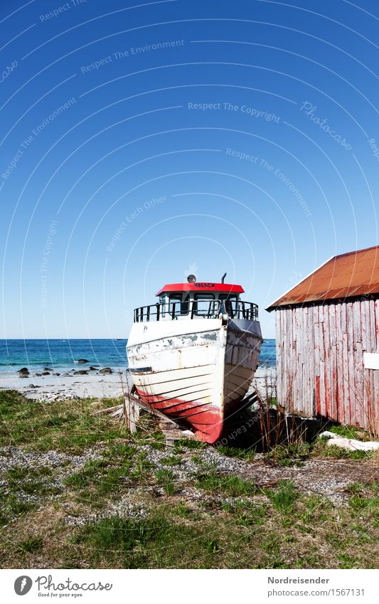 Auf dem Trockenen Himmel Natur Ferien & Urlaub & Reisen Sommer Meer Landschaft ruhig Ferne kalt Küste Freiheit Wasserfahrzeug Tourismus Idylle Schönes Wetter