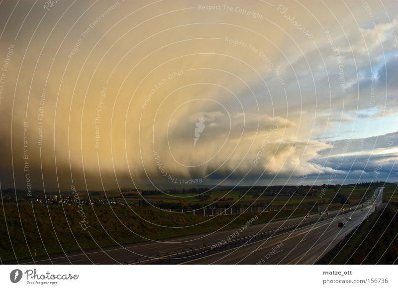 Sturmfront Natur Himmel Wolken Straße Herbst PKW Regen Landschaft Wetter nass Brücke KFZ gefährlich Güterverkehr & Logistik Sturm Autobahn