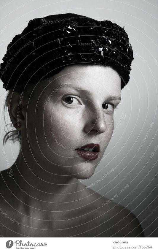Klassisch Frau Mensch Jugendliche schön ruhig feminin Gefühle Kopf ästhetisch retro Sehnsucht Hut klassisch Porträt Gesichtsausschnitt