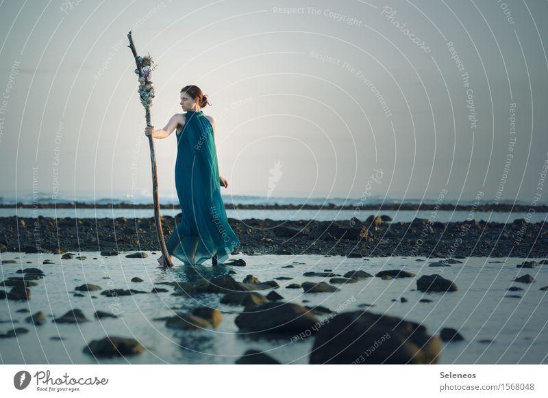 Seaworld Ferien & Urlaub & Reisen Abenteuer Ferne Freiheit Strand Meer Wellen Mensch feminin Frau Erwachsene 1 Umwelt Natur Landschaft Wolkenloser Himmel Küste