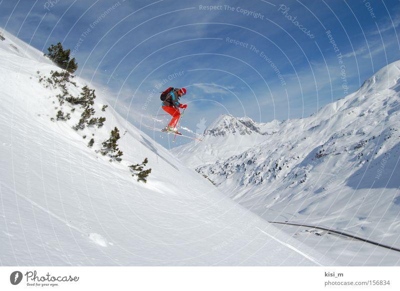 Snowflight Freude Sport Schnee springen Spielen Berge u. Gebirge Skifahren Skier Österreich Blauer Himmel Wintersport Bundesland Tirol Tiefschnee Pulverschnee Skistöcke Free-Ski