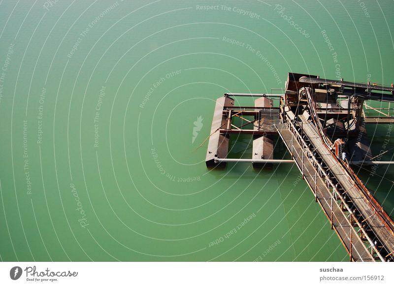 das seeungeheuer .. See Wasser Gewässer Kiesgrube Baggersee Förderband Sand Stein türkis Natur Industrie Technik & Technologie