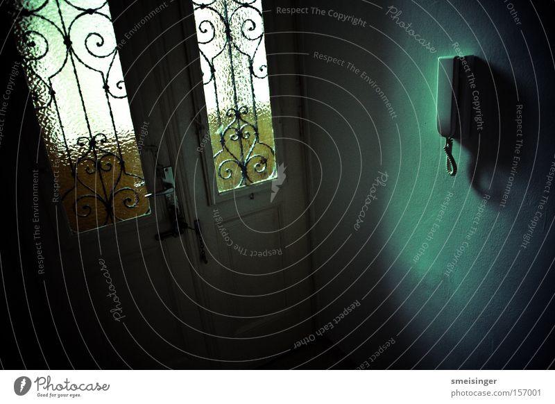 wohnung Holz Wohnung Glas geschlossen Sicherheit Frieden Innenarchitektur verfallen Eingang Schloss Schlüssel Griff Altbau Vignettierung Eingangstür