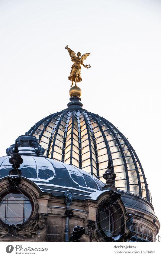 Zitronenpresse Ferien & Urlaub & Reisen Winter Ferne Architektur Schnee Gebäude außergewöhnlich Tourismus Freiheit Ausflug Gold historisch Sehenswürdigkeit