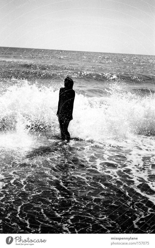 schaumkronen Meer Wellen Schrecken Gischt Strand Wasser Bikini Gegenlicht Sommer Freude