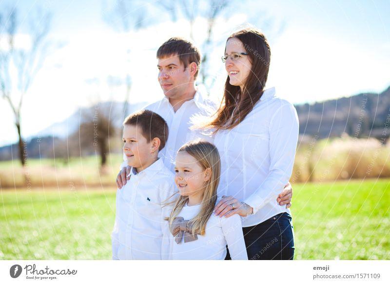 4 Mensch Eltern Erwachsene Schwester Familie & Verwandtschaft 8-13 Jahre Kind Kindheit 18-30 Jahre Jugendliche Fröhlichkeit Zusammensein Glück natürlich Zukunft