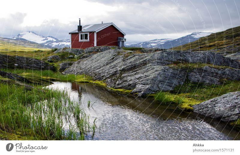 Hütte auf Fels Natur Landschaft rot Einsamkeit klein Felsen Zufriedenheit wandern Kraft Idylle Wind Perspektive einzigartig Schutz Fluss Ziel