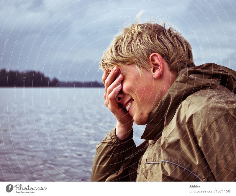 Lachen Ferien & Urlaub & Reisen Abenteuer Wassersport Mensch maskulin Junger Mann Jugendliche Freundschaft Leben Kopf Hand 1 Natur Wolken See Schutzbekleidung