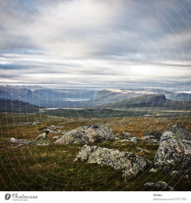 Weitblick Ausflug Abenteuer Ferne Freiheit Berge u. Gebirge wandern Wolken Wetter Felsen wild Lebensfreude demütig Erholung erleben Ewigkeit