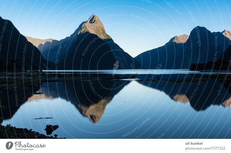 Milford Sound Natur Ferien & Urlaub & Reisen schön Sommer Wasser Landschaft ruhig Ferne Berge u. Gebirge Küste Freiheit Felsen Tourismus wandern Idylle Ausflug