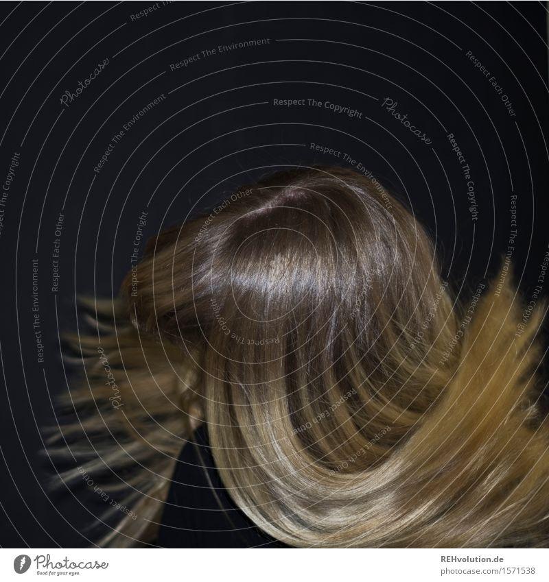 Carina . schüttel Dein Haupthaar Mensch feminin Junge Frau Jugendliche Erwachsene Haare & Frisuren 1 18-30 Jahre blond langhaarig Bewegung fliegen