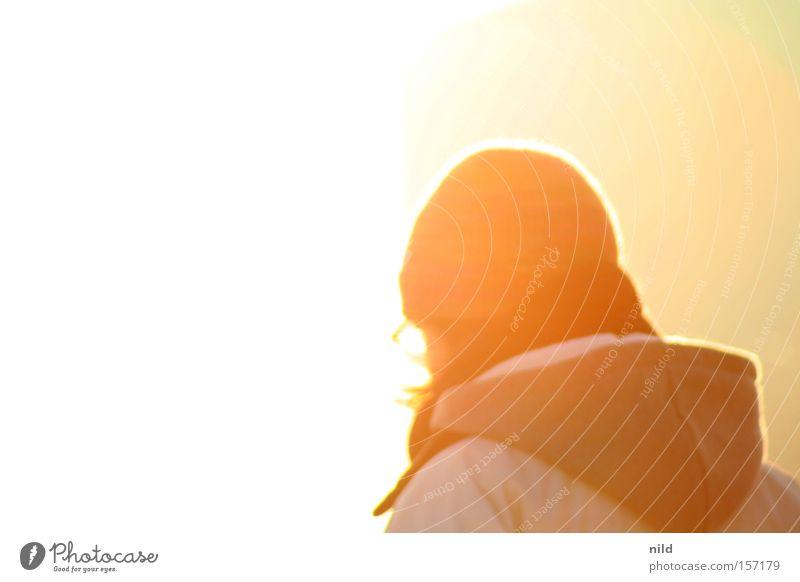 abgewandt Frau Sonne Lampe hell Freundlichkeit Mütze Wegsehen Kapuze blenden Himmelskörper & Weltall
