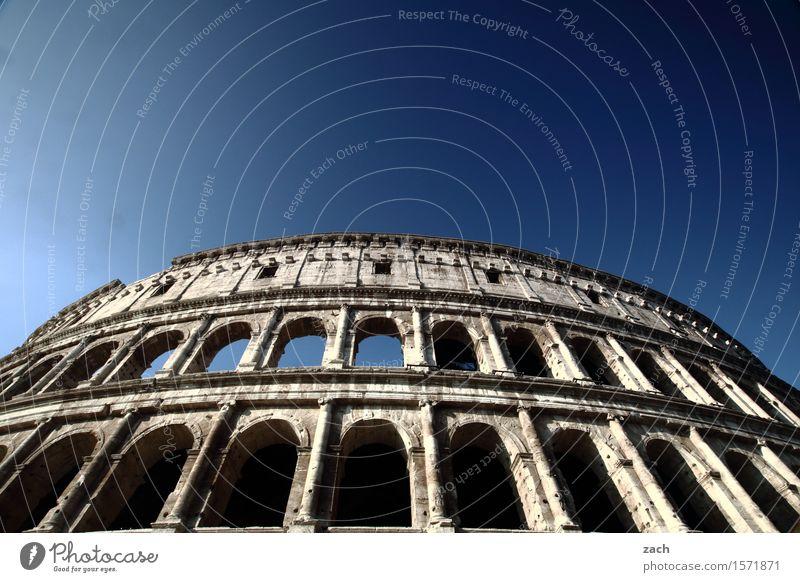 Spielhalle Ferien & Urlaub & Reisen Tourismus Sightseeing Städtereise Wolkenloser Himmel Schönes Wetter Rom Italien Stadt Hauptstadt Stadtzentrum Altstadt Ruine