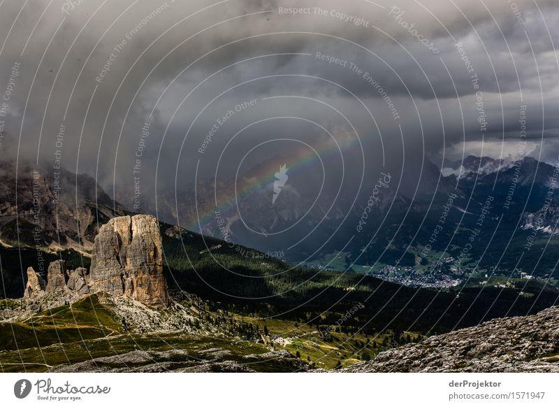 Unwetter in den Dolomiten mit Regenbogen Ferien & Urlaub & Reisen Natur Sommer Pflanze Landschaft Tier Freude Ferne Berge u. Gebirge Umwelt Tourismus