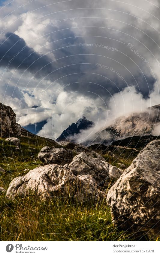 Ausblick an der Seekofelhütte in den Dolmiten Ferien & Urlaub & Reisen Natur Sommer Pflanze Landschaft Tier Ferne Berge u. Gebirge dunkel Umwelt Tourismus