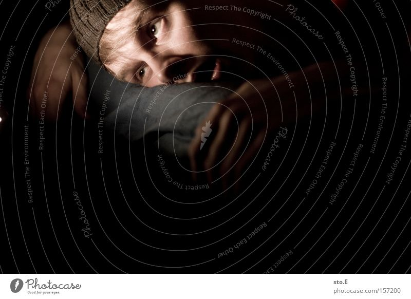 leblos Mensch Mann Hand Gesicht Tod Angst gefährlich Bett Porträt Panik Krallen erstaunt Trägheit Bewusstseinsstörung