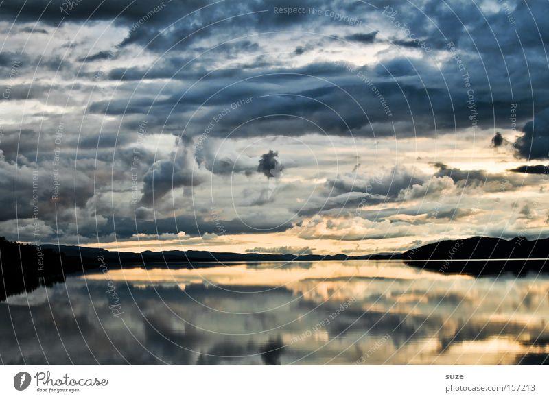 Spiegel der Natur Himmel Meer blau ruhig Einsamkeit Berge u. Gebirge Freiheit Küste Reflexion & Spiegelung Norwegen Erinnerung Skandinavien Lofoten