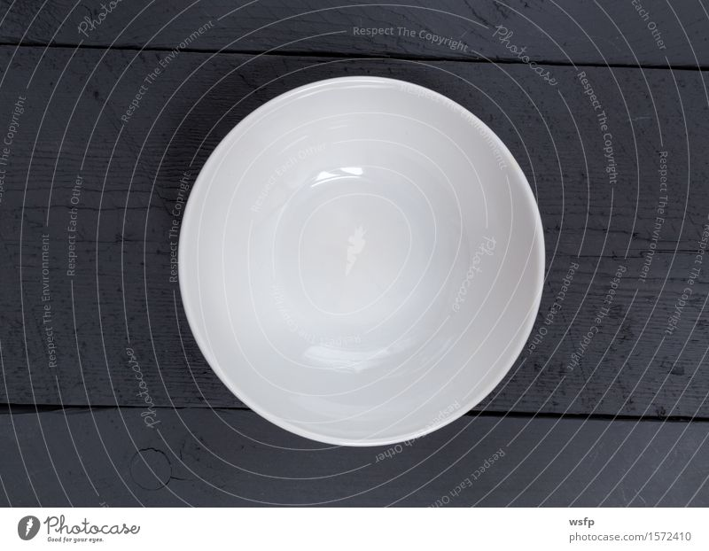 Leere Schale auf schwarzem Holz in Vogelperspektive Schalen & Schüsseln Restaurant Gastronomie alt weiß anthrazit Holzbrett Holztisch Holzschild Brett Bretter