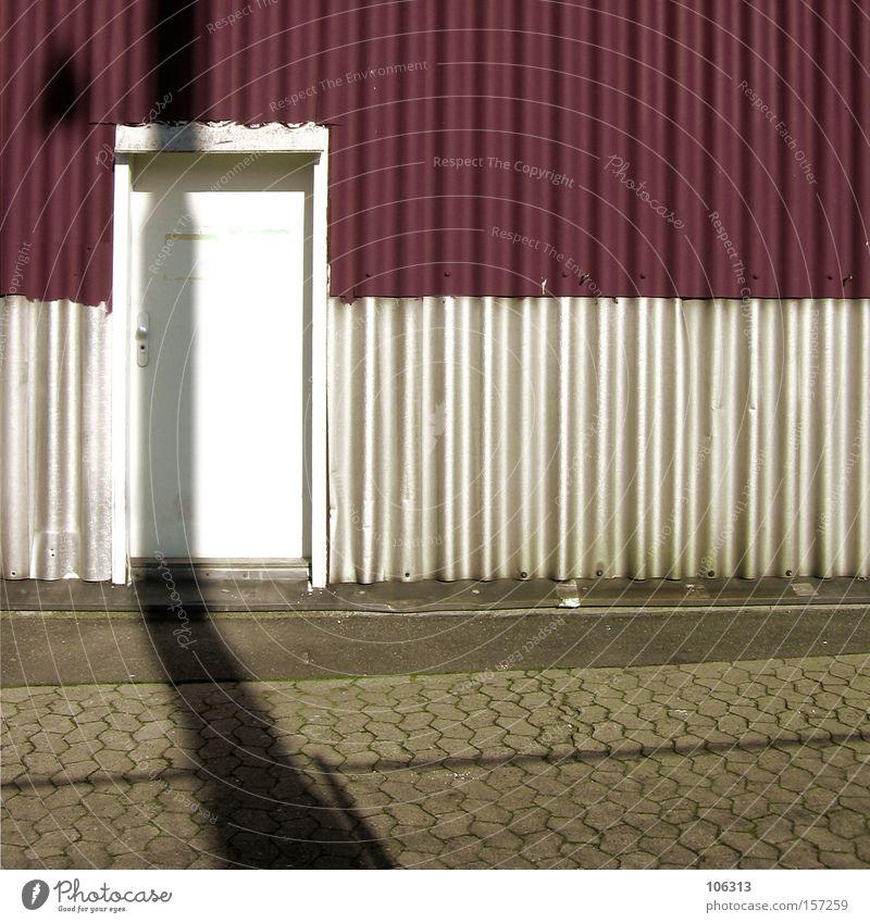 Fotonummer 107122 Tür Schatten weiß rot bordeaux Rahmen Architektur Einsamkeit Gleichgültigkeit graphisch Niveau Ebene überlagert außergewöhnlich typisch Kunst