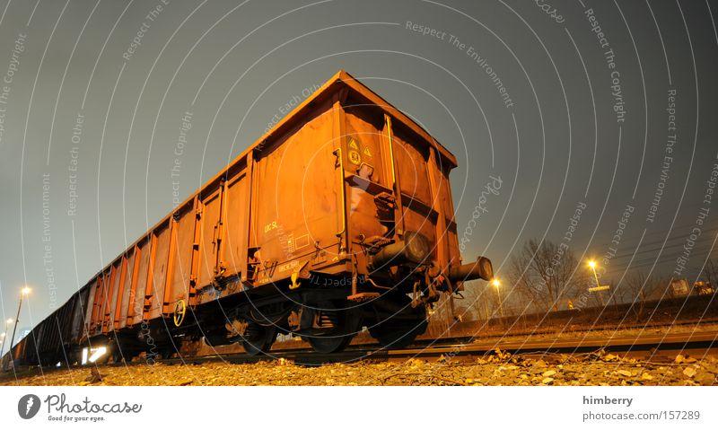 zug um zug Eisenbahn Verkehr Güterverkehr & Logistik Eisenbahnwaggon Güterwaggon Container Spedition Gleise Schienenverkehr Industrie
