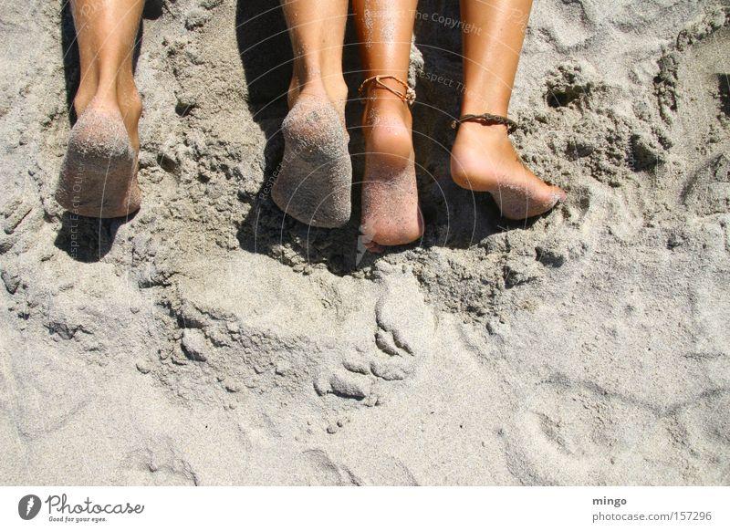 Zweisamkeit Ferien & Urlaub & Reisen Meer Sommer Strand ruhig Erholung Sand Wärme Küste Beine Fuß Liegestuhl