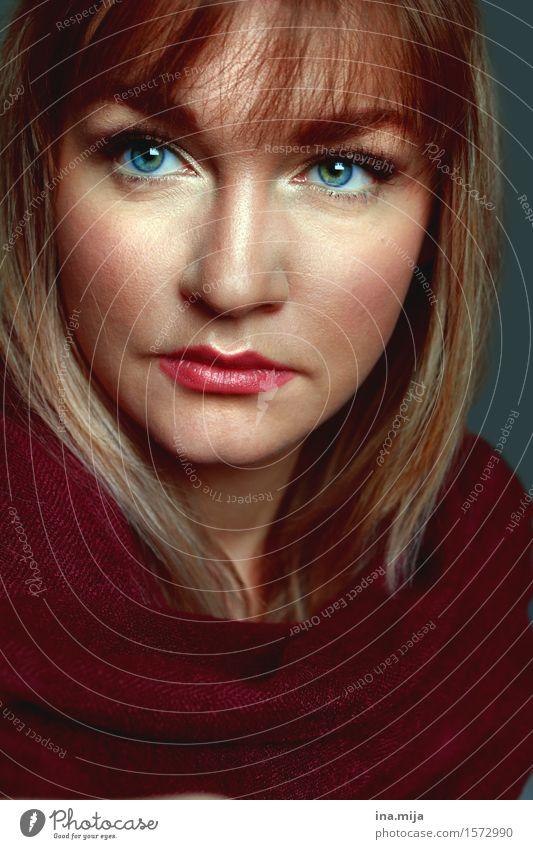 _ schön lernen Student Mensch feminin Junge Frau Jugendliche Erwachsene Gesicht 1 18-30 Jahre 30-45 Jahre Mode Pullover Schal Haare & Frisuren brünett