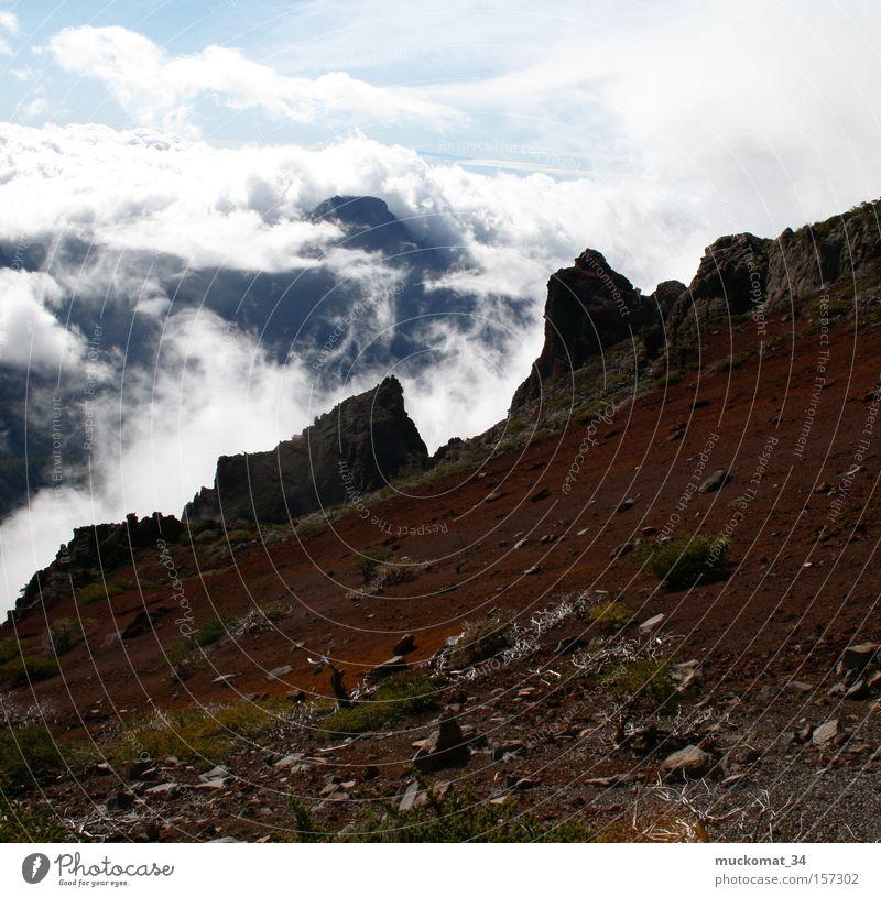 Vulkan Nebel Felsen Erde Himmel Bergsteigen rot blau Berge u. Gebirge Wolken Panorama (Aussicht) groß