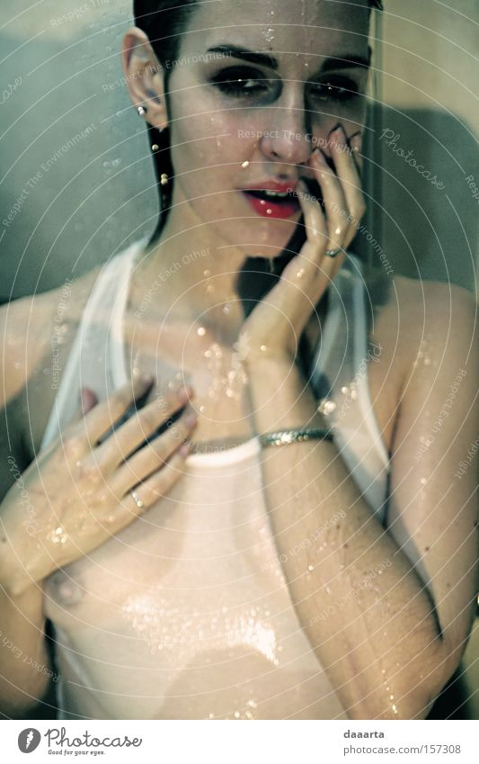 Frau schön Erotik Farbe nass Dame Frauenzimmer Lettland Unter der Dusche (Aktivität)