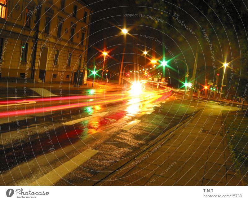 Kreuzung #2 Nacht Langzeitbelichtung Ampel Geschwindigkeit Straße Mischung