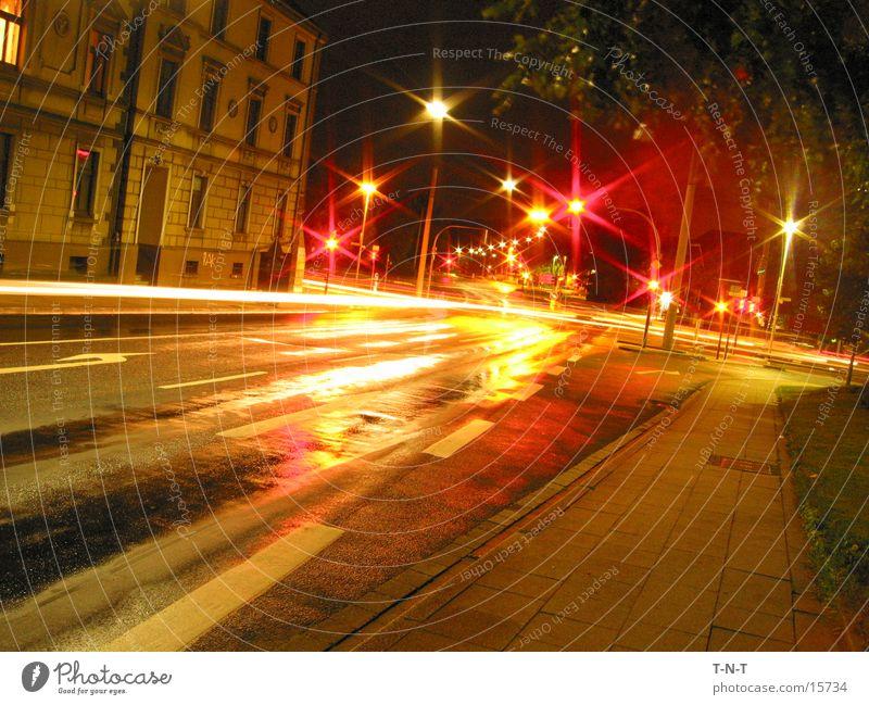 Kreuzung #1 Nacht Langzeitbelichtung Ampel Geschwindigkeit Straße Mischung