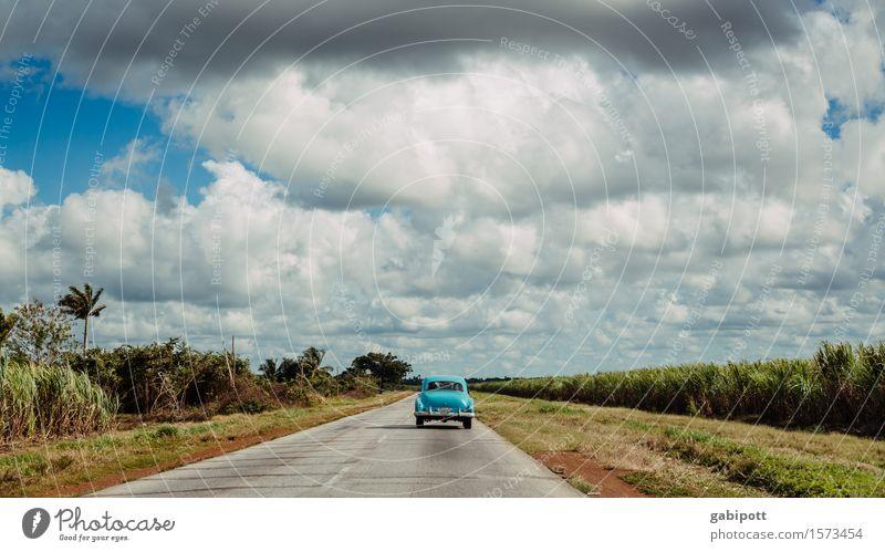 gute Straßen, schlechte Straßen Himmel Ferien & Urlaub & Reisen blau Farbe Landschaft Wolken Ferne Wege & Pfade Freiheit Horizont Tourismus Verkehr PKW