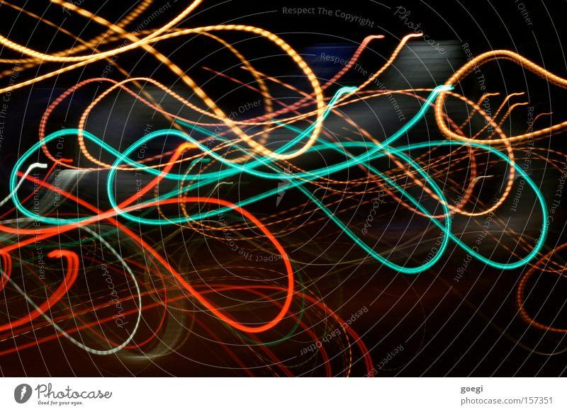tohuwabohu Farbfoto Außenaufnahme Experiment Nacht Licht Langzeitbelichtung Bewegungsunschärfe Linie gelb grün rot Farbe Lichtermeer türkis Wellenlinie