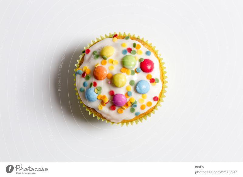 Muffins im Detail als Freisteller Kuchen Dessert Dekoration & Verzierung hell nah Cupcake Hintergrundbild Zuckerguß verziert Zuckerstreusel Streusel Backdekor