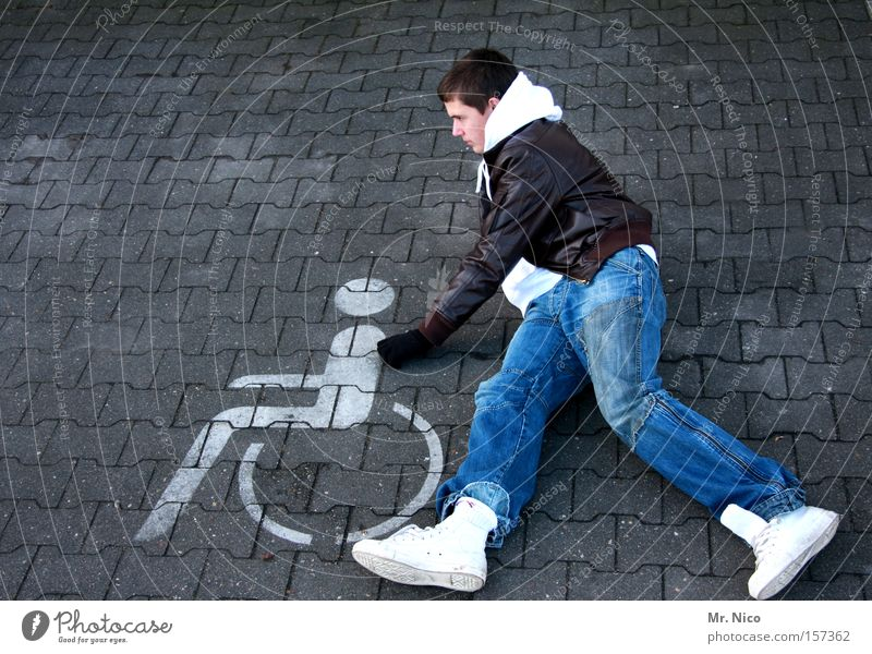 zivi Mode maskulin Zeichen Hilfsbereitschaft Vertrauen Arbeit & Erwerbstätigkeit Dienstleistungsgewerbe Beruf Hilfsbedürftig Behinderte sozial Dienst Gesundheitswesen Seniorenpflege Rollstuhl Toleranz