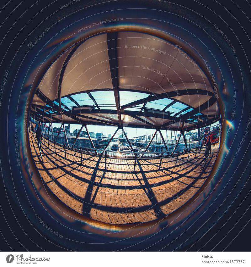 Fischauge am Hafen Tourismus Städtereise Sonne Sonnenaufgang Sonnenuntergang Sonnenlicht Hamburg Hafenstadt Brücke Sehenswürdigkeit rund Stadt blau orange