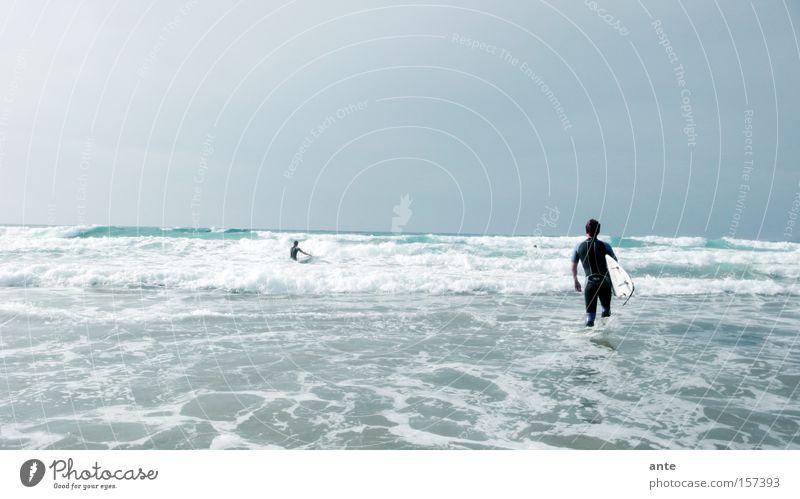 beachbreak Fuerteventura Surfen Strand Sommer Meer Wellen Ferien & Urlaub & Reisen Longboard Surfer Gischt Spielen