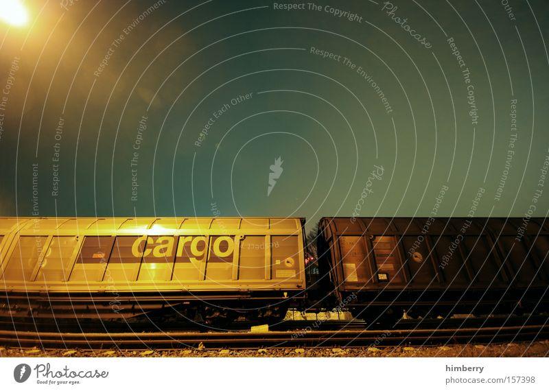 latenight cargo Eisenbahn Verkehr Güterverkehr & Logistik Eisenbahnwaggon Güterwaggon Container Spedition Gleise Schienenverkehr Bahnhof Industrie