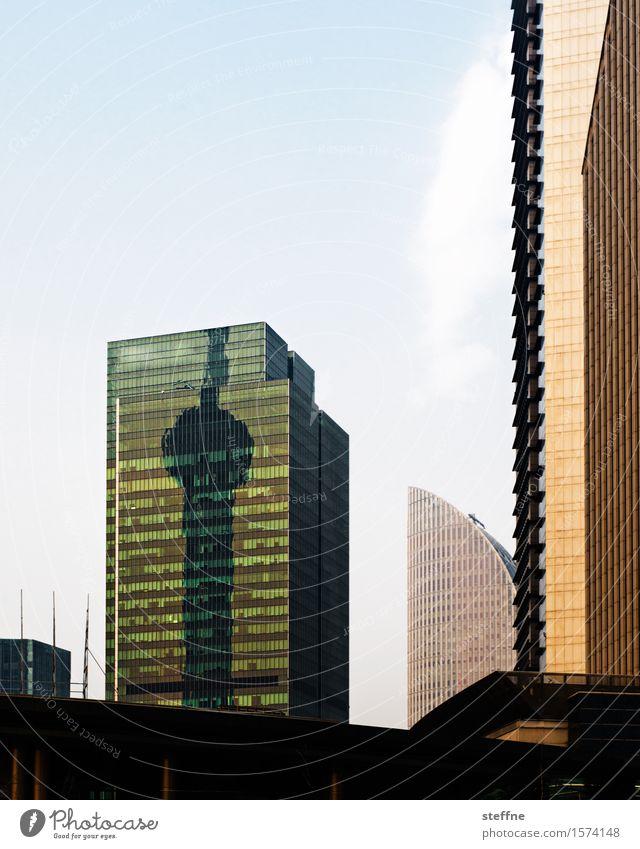 Fernsehturm (Remix) Hochhaus Stadt Remixcase Shanghai China Schatten Reflexion & Spiegelung Fassade Wahrzeichen Pu Dong Farbfoto Außenaufnahme Menschenleer