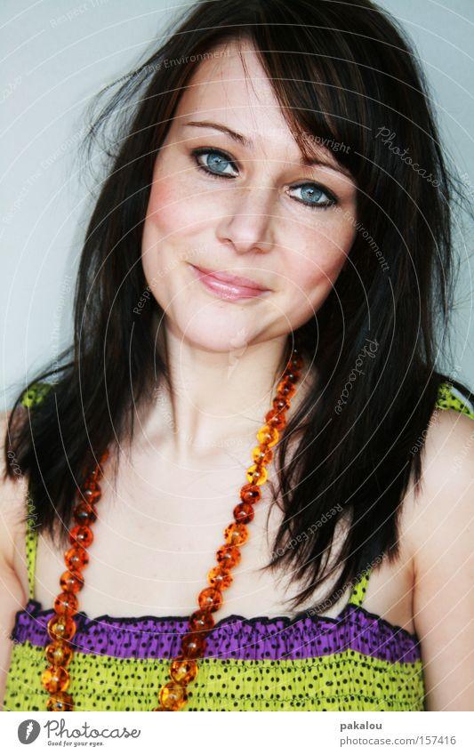 das kompliment Frau Jugendliche schön Sommer Auge Farbe lachen Haare & Frisuren Gesicht Schmuck mehrfarbig Top brünett attraktiv zerzaust
