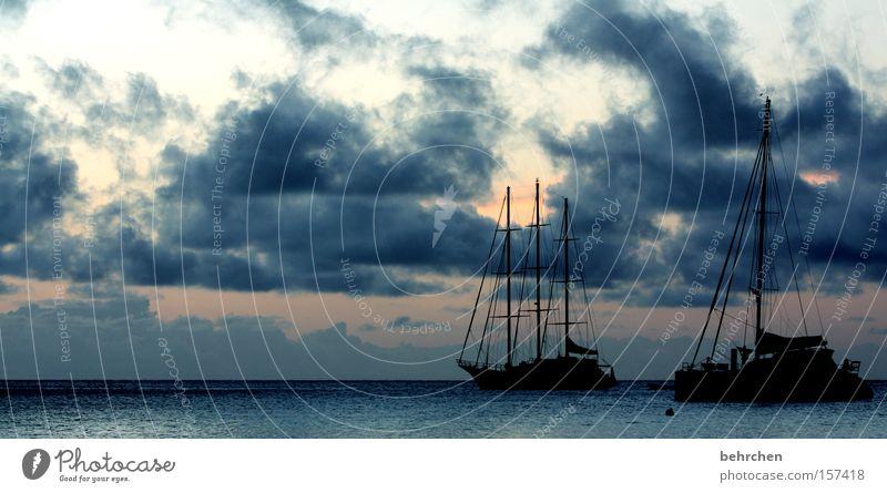 sich treiben lassen Seychellen Trauminsel Meer Wolken Sonnenuntergang Himmel Wasserfahrzeug Segeln träumen genießen Fernweh Freiheit Flitterwochen Strand Küste