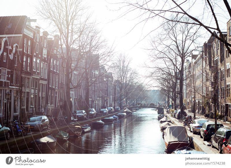 zur richtigen zeit am richtigen ort. Ferien & Urlaub & Reisen Tourismus Ausflug Sightseeing Städtereise Sommer Häusliches Leben einzigartig elegant Amsterdam