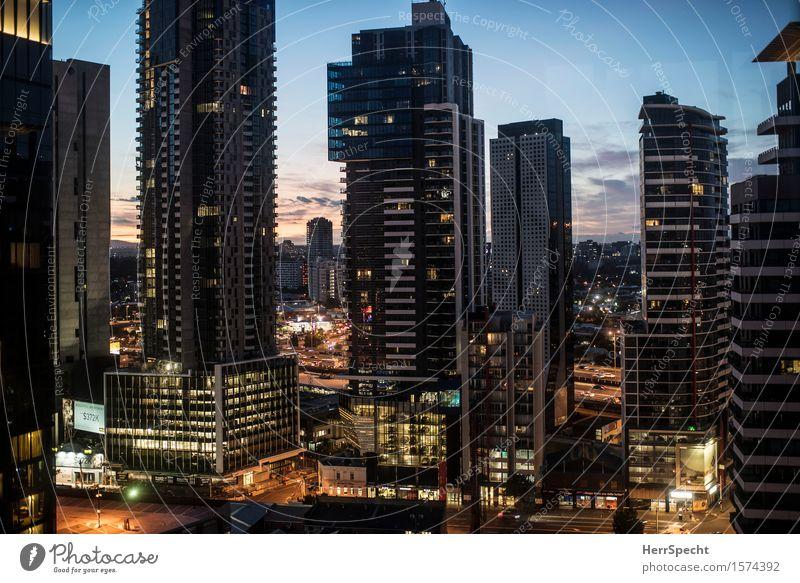 Southbank Morning Melbourne Australien Stadt Stadtzentrum Skyline Hochhaus Turm Gebäude Architektur eckig gigantisch hoch Wohnung Wohnhochhaus Dämmerung