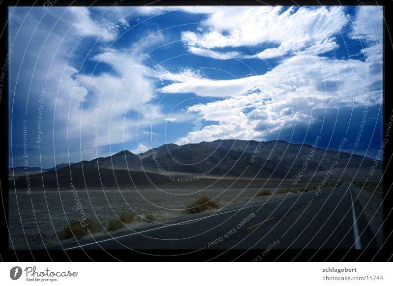 death valley Himmel Wolken Straße Death Valley National Park
