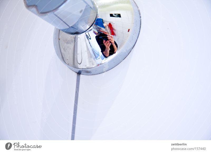Drei Mann Wasser Bad Sauberkeit Fliesen u. Kacheln Reflexion & Spiegelung Wasserhahn Beruf sanitär Infrastruktur Wasserwerk Installateur