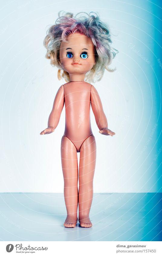 Puppe 1 Spielzug Angst Entsetzen Nacht Alptraum blau Beine Auge Behaarung Körper Panik Farbe Spielzeug Waffen Lippen Innenaufnahme
