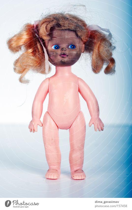 Puppe 8 Spielzug Angst Entsetzen Nacht Alptraum blau Beine Auge Behaarung Körper Panik Farbe Spielzeug Waffen Lippen Innenaufnahme